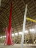 les colonnes flottantes de Jean Moré dans le hangar à dirigeables d'Ecausseville dans le cotentin